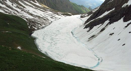 Il Lago di Licony ancora coperto dal ghiaccio